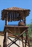Maître nageur Wooden Tower avec le baril et l'escalier de vin photos libres de droits