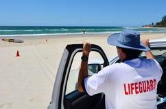 Maître nageurs australiens dans l'Australie de la Gold Coast Queensland Image stock
