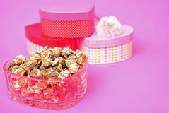 Maïs éclaté de caramel et de chocolat Image libre de droits