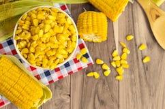 Maïs sur la table Photographie stock libre de droits