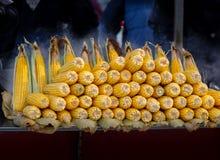 Maïskolven gepelde pitten stock afbeeldingen