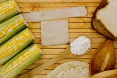 Maïszetmeel met graan stock foto