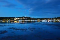 Mañana azul en puerto deportivo Imágenes de archivo libres de regalías