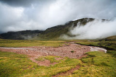 Mañana brumosa en el Pirineos Fotografía de archivo libre de regalías