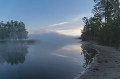 Mañana brumosa en el río Fotografía de archivo libre de regalías