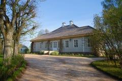Mañana de mayo en el hogar del poeta A S pushkin El estado Mikhailovskoe, montañas de Pushkin Imagenes de archivo