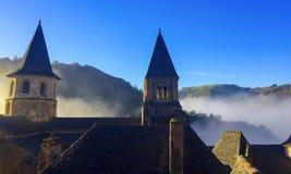 Mañana de niebla, en Francia central/meridional Imagen de archivo libre de regalías