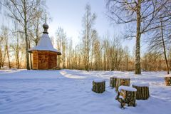 Mañana del invierno de la capilla Imagenes de archivo