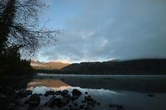 Mañana del lago Imagenes de archivo