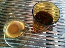 Mañana del marrón del café de la bebida fotografía de archivo