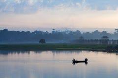 Mañana en Amarapura, Myanmar Fotos de archivo