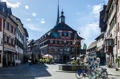 18 04 686 Mañana en el cuadrado central de Stein am Rhein fotos de archivo libres de regalías