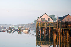 Mañana en el embarcadero de la pesca de Maine Imágenes de archivo libres de regalías