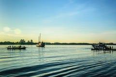 Mañana en el río Foto de archivo libre de regalías