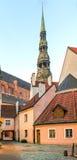 Mañana en la ciudad vieja de Riga Imagenes de archivo