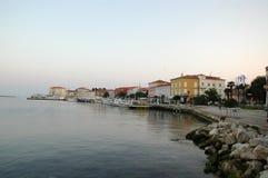 Mañana en la ciudad vieja Porec Croacia Imágenes de archivo libres de regalías