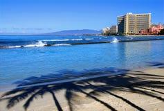 Mañana en la playa de Waikiki imágenes de archivo libres de regalías