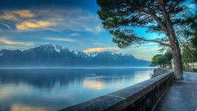 Mañana HDR del lago Lemán fotografía de archivo libre de regalías