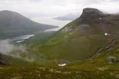 Mañana melancólica en un país de montañas y de cascadas Fotos de archivo libres de regalías