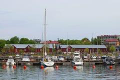Mañana nublada de junio en el puerto viejo Hanko, Finlandia Fotografía de archivo