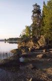 Mañana solar en el lago Imagenes de archivo