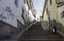 Mañana soleada en las calles de Cusco fotografía de archivo