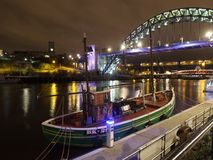 Mała łódź na quayside Fotografia Stock