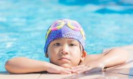 Mała śliczna Azjatycka dziewczyna na bikini kostiumu Obrazy Royalty Free