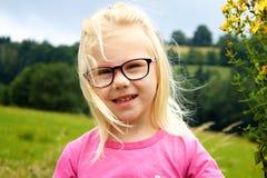 Mała śliczna dziewczyna obrazy royalty free
