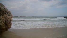 Mała burza z wybrzeża wyspa Cypr w Ayia Napa zdjęcie wideo