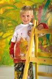mała chłopiec drabina zdjęcia royalty free