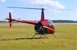 mała czerwona helikopter obrazy royalty free