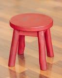 Mała Czerwona stolec Zdjęcia Stock