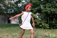 Mała dębna dziewczyna plenerowa Obrazy Stock