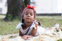 Mała dębna dziewczyna plenerowa Zdjęcie Stock