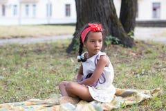 Mała dębna dziewczyna plenerowa Obraz Stock