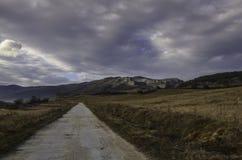 Mała droga w górach zdjęcie royalty free