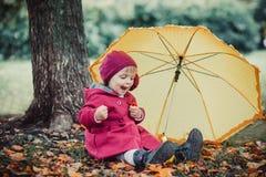mała dziewczyna parasolkę Fotografia Stock