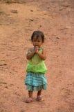 Mała dziewczyna Żyje W wiosce rybackiej Zdjęcia Royalty Free