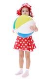 Mała dziewczynka ściskał jej wielką pasiastą plażową piłkę obrazy stock