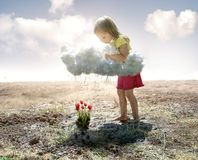 Mała dziewczynka i chmura fotografia royalty free
