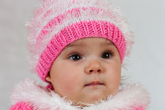 Mała dziewczynka która lubi pozować. Zdjęcie Stock