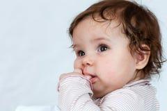 Mała dziewczynka która lubi pozować. Zdjęcie Royalty Free