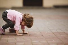 Mała dziewczynka miastowy portret Obraz Stock