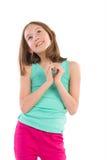 Mała dziewczynka pokazuje serce kształtować ręki Zdjęcie Royalty Free