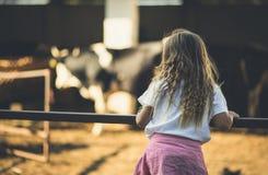 Mała dziewczynka rolnik obraz royalty free