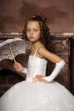Mała dziewczynka w ślubnej sukni Zdjęcie Royalty Free