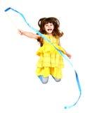 Mała dziewczynka w skoku Obrazy Royalty Free