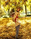 Mała dziewczynka w parku fotografia royalty free
