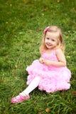Mała dziewczynka w pięknej sukni w lato parku Fotografia Royalty Free